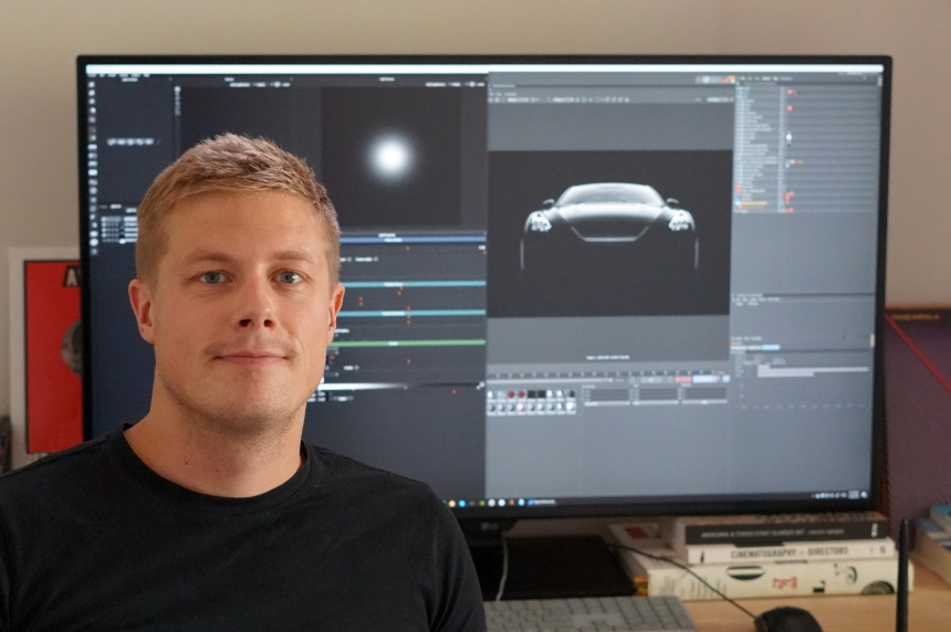 Duncan Dix at his desk using HDR Light Studio