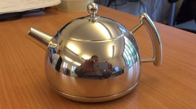HDR Light Studio Tea Pot - For Real!