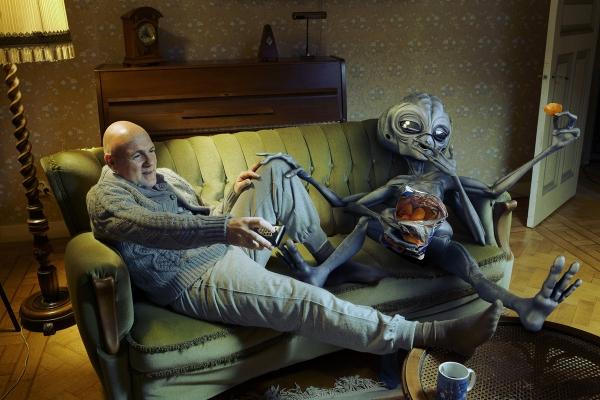 Alien Couch - SOUVEREIN CGI