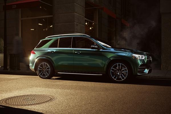 Mercedes-Benz GLE by Pavel Rehak & Vitali Enes