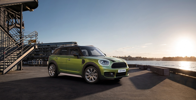 Mini Cooper by Ben Greenfield